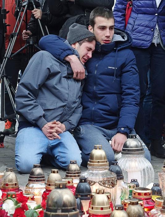 Des responsables européens font le lien entre les attentats de Paris et les réfugiés